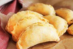 Τυροπιτάκια με γιαούρτι Savory Muffins, Cheese Pies, Snack Recipes, Snacks, What You Eat, Greek Recipes, Cornbread, Chips, Appetizers