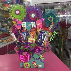 Creaciones D'encantos C.A.  (@dencantos) | Instagram photos and videos Alcohol Gift Baskets, Alcohol Gifts, Gift Bouquet, Candy Bouquet, Birthday Candy, Birthday Parties, Weird Gifts, Ideas Para Fiestas, Candy Gifts