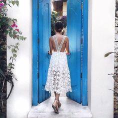 hotel karma kandara, fica localizado na pensínsula de bukit, em bali. ao contrário do restante da ilha a região é conhecida por sua paisagem árida e rochosa, mas não menos linda! foto: @friendinfashion no @kandarakarma #TotemIsland #summer  a coleção >> the island << foi desenvolvida por nossas estilistas na ilha de bali, com inspiração no maravilhoso arquipélago indonésio, além das experiências vividas num sem número de outras ilhas paradisíacas ao redor do mundo. hora de sonhar e colocar…