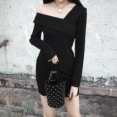 [Darker than Black] Sexy Thin L-Collar Waist Small Black Skirt Dress SD01073