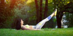 Как сделать бёдра стройными и подтянутыми: 58 упражнений, которые стоит попробовать - Лайфхакер Lean Legs, Squats, Health And Beauty, Superstar, Holding Hands, Life Hacks, Skin Care, Beautiful, Thin Legs