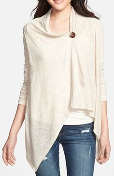 one button asymmetrical cardigan  http://rstyle.me/n/n49uepdpe