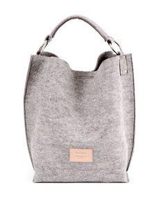 Bolso de fieltro en gris con asa corta, de Fun & Basics.