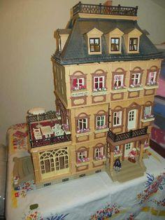 Victorian Playmobil Mansion (ah voilà, exactement celle que j'ai, avec un étage ajouté!)