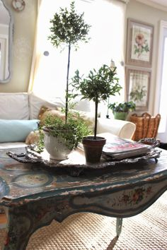 Coffee table vignette. From My Front Porch To Yours-How I Found My Style Sundays- Maison Decor