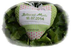 Geldgeschenke - Geldgeschenk zur Hochzeit mit Namen Herz - ein Designerstück von antjesdesign bei DaWanda