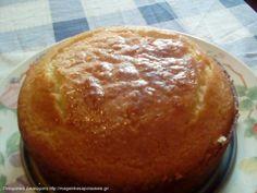 Λεμονόπιτα με σιμιγδάλι και αλεύρι International Recipes, Cake Pops, Food And Drink, Sweets, Bread, Desserts, Yummy Yummy, Cakes, Party