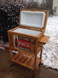 DIY Wooden Cooler Stand - Vintage Look: