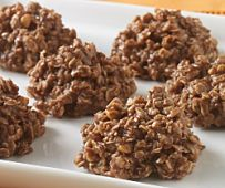 Need a dessert in a hurry? Try this Last Minute Applesauce Dessert! Just combine all the elements and you have a pretty yummy dessert. Baked Oatmeal, Oatmeal Cookies, No Bake Cookies, Toffee Cookies, Pumpkin Oatmeal, Veggie Muffins, Casserole Recipes, Reuben Casserole, Onion Casserole