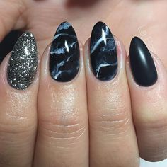 MARBLE FRIDAY #lovemyjob #marblenails #lightelegance @lightelegancehq #wintertime #black #nails #nailart #nailsbykimcarnoy #naildesign #blackandwhite #labeauté #Lokeren #instanails #winternails #nailpro #nailporn #nailsofinstagram #marble #blackmarble #nailsinspo #nailartist #beautyandnails @elkestroobandt
