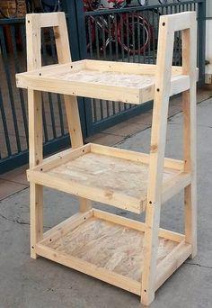 Old Pallets pallet pots stand idea Wooden Pallet Projects, Wooden Pallet Furniture, Pallet Crafts, Rustic Furniture, Diy Furniture, Pallet Ideas, Cardboard Furniture, Outdoor Furniture, House Furniture