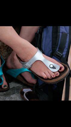 Birkenstock, Gorgeous Feet, Women's Feet, Sexy Feet, Pretty Girls, Open Toe, Jewlery, Flip Flops, Footwear