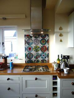 Splashback - mixing elements with wood Kitchen Kitchen Backslash, Kitchen Mosaic, Mosaic Backsplash, Mosaic Wall, Mosaic Glass, Mosaic Tiles, New Kitchen, Backsplash Ideas, Stained Glass