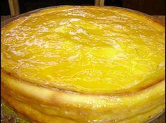 Receita de Queijadinha de laranja diet - Ingredientes, ½ xícara de chá de leite desnatado, 2 ovos, 1 xícara de café de suco de laranja, 250 gramas de ricota fresca, 1 xícara de café de farinha de trigo, 4 colheres de sopa de adoçante Tal e Qual, 1 colher de chá de raspas de laranja, 1 colher de chá de margarina light, 1 colher de sobremesa de Pó Royal