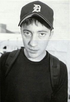 Graham Coxon 1999's Japanese magazine scan Geek Charming, Graham Cookies, Graham Coxon, Damon Albarn, British Rock, Britpop, 10 Picture, Falling In Love With Him, Attractive People