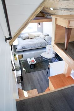 48 Awesome Decorating Ideas For Small Apartments. It doesn't really matter how small your apartment is, you can always get a nice space with modern and unique decoration. In a small apartment decora.
