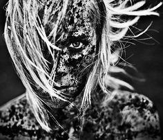 """Jóna Kristin, dans la série """"Dirty Pretty Things"""" de Lárus Sigurðarson"""