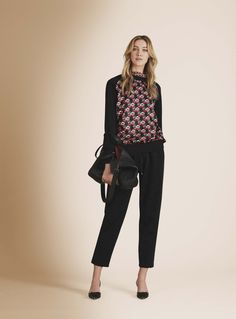 See the complete Kiton Fall 2016 Ready-to-Wear collection.