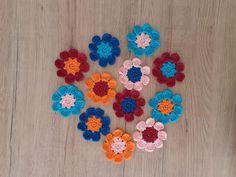 Bunten Blumen häkeln - Anleitungen Crochet Necklace, Jewelry, Crochet Rings, Colorful Flowers, Wool, Handarbeit, Tutorials, Do Crafts, Jewlery