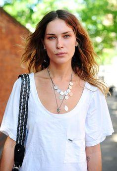 ★ // Erin Wasson plain white & accessories