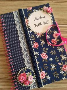 Notebook Diy, Decorate Notebook, Diy Arts And Crafts, Book Crafts, Mini Albums, File Decoration Ideas, Altered Composition Notebooks, Sketchbook Cover, Fabric Book Covers