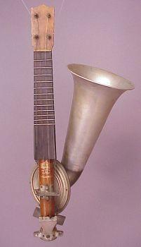 1920's Stroviols Uke. Another wired but wonderful Uke.