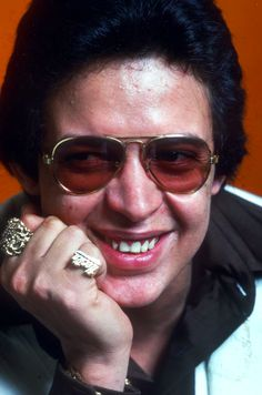 Hector Lavoe- best salsa singer ever. Puerto Rican Music, Puerto Rican Singers, Music Icon, Music Tv, Sound Of Music, Kinds Of Music, Puerto Rico, All Star, Musica Salsa