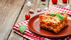 No solo pasta: seis recetas de lasañas con base de verduras Meat Lasagna, Carne Picada, Pasta, French Toast, Breakfast, Ethnic Recipes, Food, Image, Products