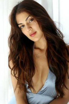 Actress Hot Still Beautiful Indian Actress, Beautiful Actresses, Beautiful Women, Hollywood Actresses, Indian Actresses, Beautiful Girl Wallpaper, Bollywood Girls, Cute Beauty, India Beauty