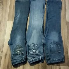 "3 pair of BONGO jeans Really cute jeans with pocket and seam details  in great condition have been altered to 27 1/2"" inseam to fit me I am 5'0""  all fit  more like 8/9 BONGO Jeans Boot Cut"