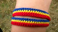 Peste 40.000 de brăţări tricolore făcute în judeţul Giurgiu pentru 1 Decembrie | Adevaratele stiri din orasul tau - www.stirigiurgiu.ro Friendship Bracelets, 1 Decembrie, 40 000, Crochet, Jewelry, Jewels, Schmuck, Knit Crochet, Jewerly