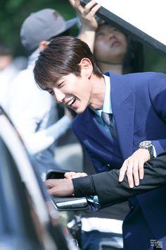 "Lee Joon Gi as Bong Sang Pil 🤜🤛 ""Lawless lawyer"" Lee Joong Ki, Wang So, Moon Lovers, Joon Gi, Sexy Ass, Lawyer, Korean Actors, Kdrama, Singing"