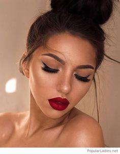 Holiday makeup looks; promo makeup looks; wedding makeup looks; makeup looks for brown eyes; glam makeup looks. Makeup Inspo, Makeup Inspiration, Makeup Tips, Hair Makeup, Makeup Hacks, Makeup Ideas, Gala Make Up, Bridal Makeup, Wedding Makeup