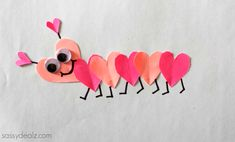Valentine's Day Heart Caterpillar Craft For Kids – Crafty Morning - Süsskartoffel Suppe Cute Valentines Day Gifts, Valentine Day Boxes, Valentines Day Hearts, Diy Valentine, Valentine's Day Crafts For Kids, Diy Projects For Kids, Diy For Kids, Craft Kids, Preschool Valentine Crafts