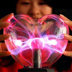 Lámpara de plasma con forma de corazón | Tecniac