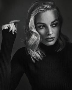 Margot Robbie by @millermobley #itonya