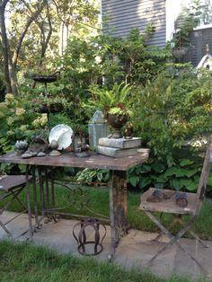 Tables are not for eating Outdoor Art, Outdoor Ideas, Outdoor Gardens, Outdoor Decor, Chicken Coop Garden, Old Sewing Machines, Garden Club, Spring Garden, Garden Styles
