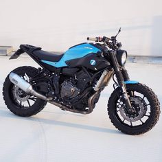Cool custom built Yamaha Scrambler built by JvB Moto from Germany. A cool modern bike created with a complete set of bolt on parts. Custom Cafe Racer, Cafe Racer Bikes, Cafe Racers, Yamaha Motorcycles, Scrambler Motorcycle, Grom Bike, Bobber, Mt 07 Yamaha, Duke Bike