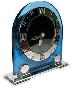 Wonderful Art Deco blue glass and chrome electric clock. Cute Clock, Cool Clocks, Art Deco Decor, Art Deco Home, Art Nouveau Design, Design Art, Shades Of Light Blue, Deco Blue, Radios
