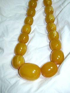Butterscotch Bakelite Large Beads Choker Necklace Vintage Jewelry /485