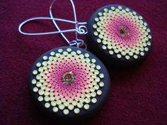 pink sunrise earrings von noneoftheabove auf Etsy, $24.00