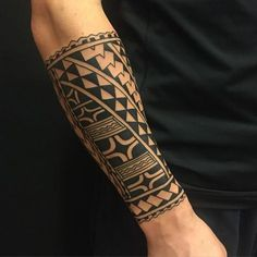 polynesian-tattoo-13 #maoritattoosband #hawaiiantattoossleeve