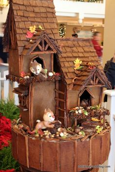 Cake Art--possible gingerbread design? Crazy Cakes, Fancy Cakes, Cute Cakes, Disney Cakes, Disney Food, Disney Disney, Unique Cakes, Creative Cakes, Gorgeous Cakes