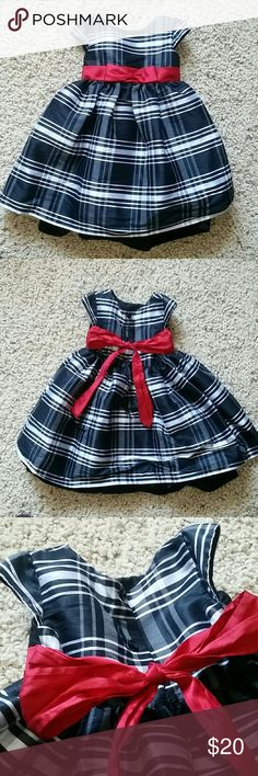 Toddler girl blk/wht Holiday dress How cute is this classic?! Black and white plaid is accented with a rich red bow. From Nordstrom, worn a few times for the holidays and still in amazing shape. Ask questions and make an offer! Pippa & Julie Dresses Formal
