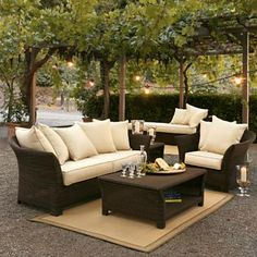 Like this simple patio furniture, just imagine, spend your tea time with your family members here or perhaps friends, so cozy.....