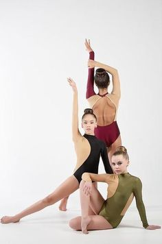 New dancing pictures poses trio ideas Jazz Dance Poses, Dance Picture Poses, Dance Photo Shoot, Dance Photos, Dance Pictures, Team Pictures, Dance Recital, Dance Moms, Jazz Dance Photography