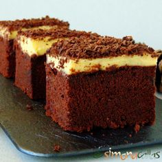 Chocolate cake squares with pastry cream frosting - simonacallas Romanian Desserts, Romanian Food, No Cook Desserts, Food Cakes, Yummy Cakes, Cake Cookies, No Bake Cake, Food To Make, Cake Recipes