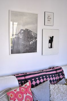Another peek at @sfgirlbybay 's rearranged place, with my Flower Fields in Rosy cushion.
