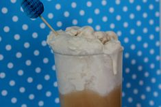 Kombucha Floats Made With Kefir Ice Cream - Cultured Food Life. Take root beer kombucha or any flavor of kombucha and top it with kefir ice cream. Kombucha is Garlic Cream Chicken, Chicken Orzo, Kefir Recipes, Orzo Recipes, Healthy Recipes, Bean Recipes, Healthy Desserts, Healthy Drinks, Recipes