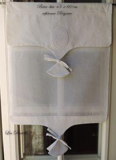 Brise-bise 45 x 60 cm en organdi blanc, drap ancien et monogramme : Textiles et tapis par lin-dentelle